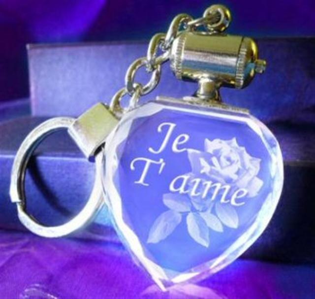 Porte clefs coeur bleu. TEXTE.